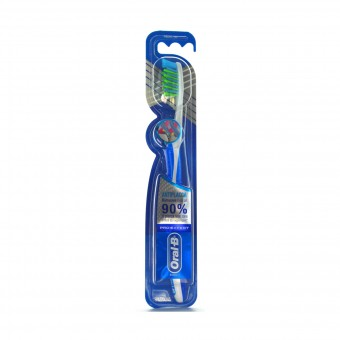 ORAL B SPAZZOLINO DENTI  40 PRO-EXPERT SUPERIOR CLEAN MEDIO